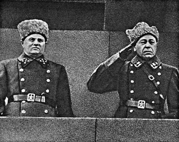 В 1940 г, в возрасте 19 лет был призван в ушаков семён константинович (прадед кадета баранова виктора)